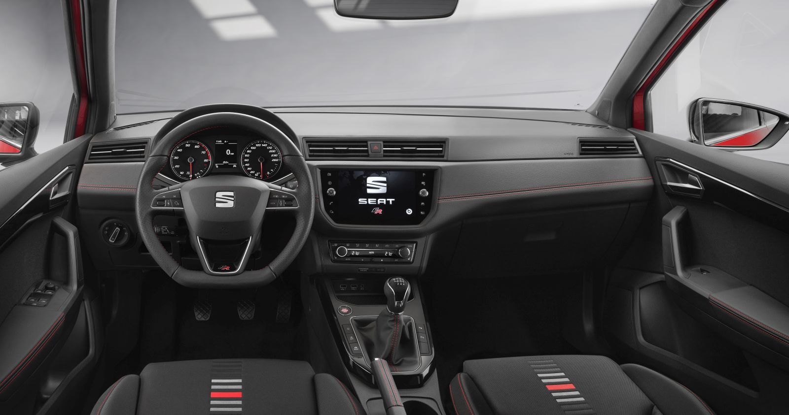 seat-arona-interieur-2017-autobedrijf-jankok
